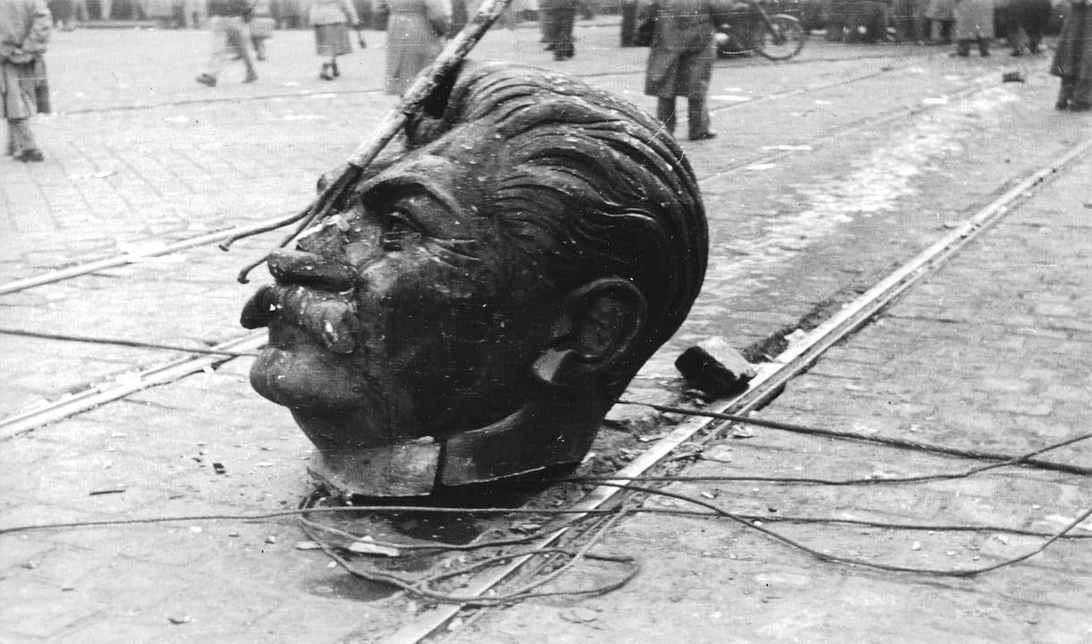Staline décapité