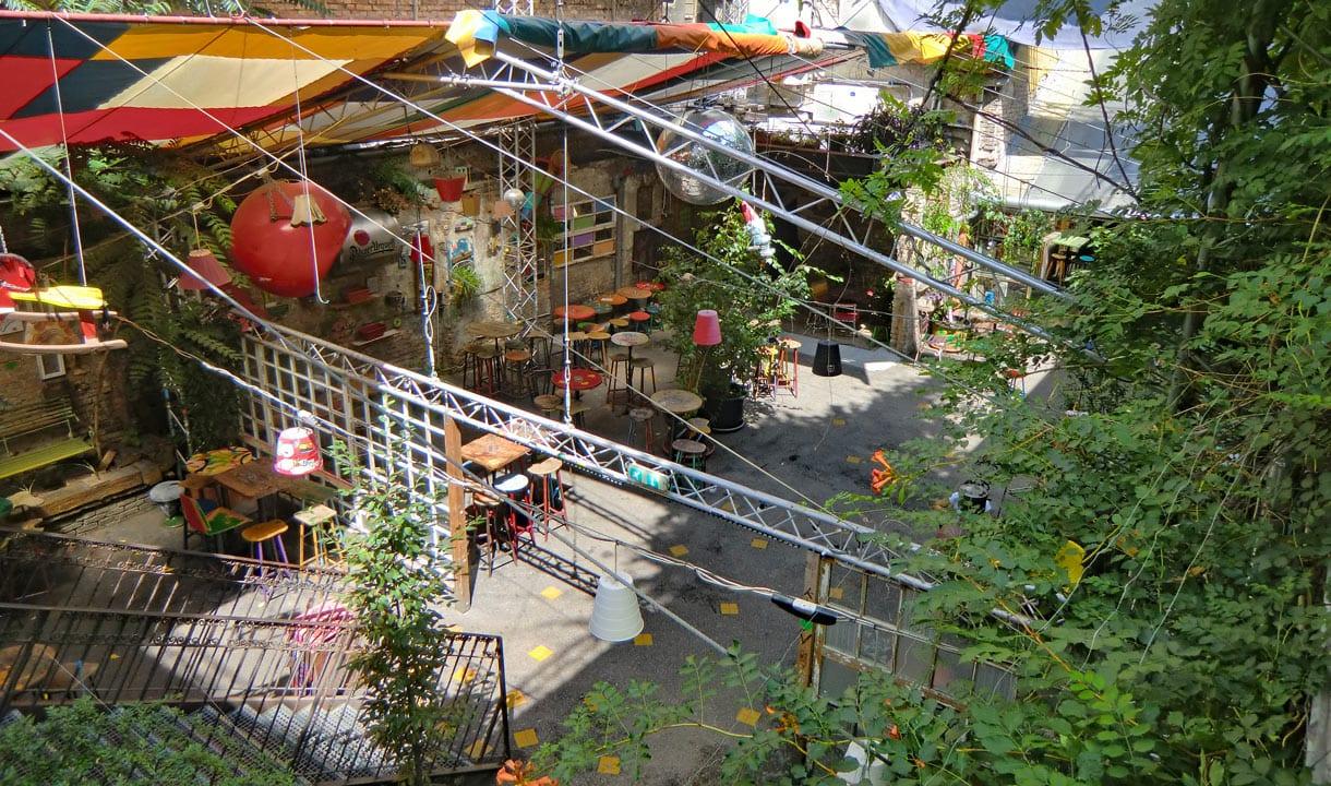 Bar en ruines de Budapest