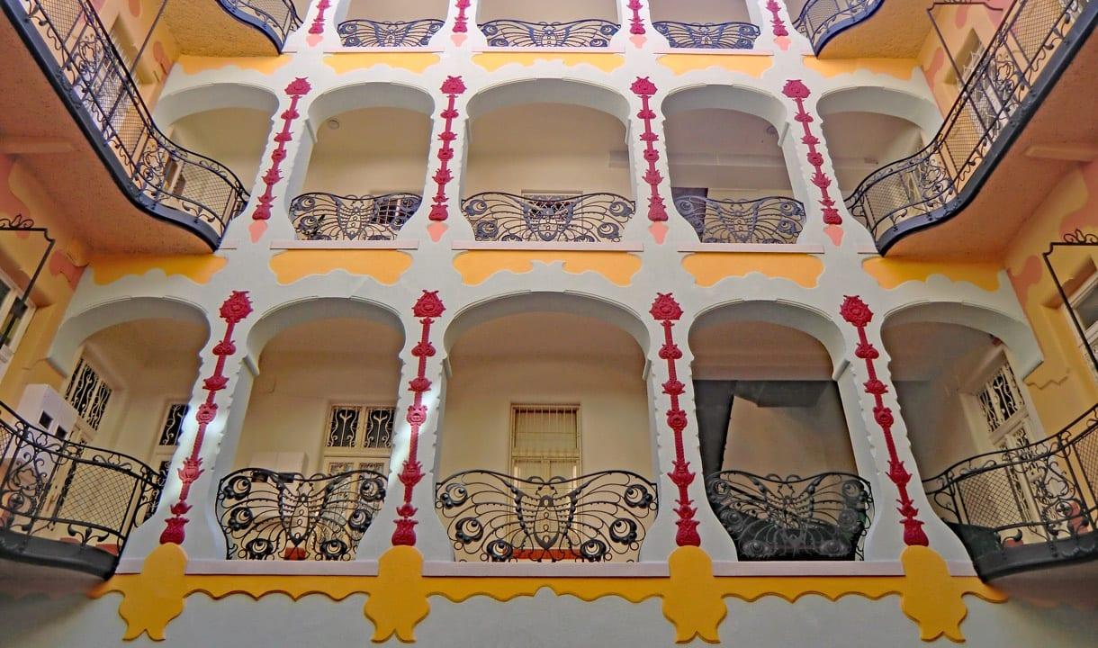 Cour intérieure Art nouveau