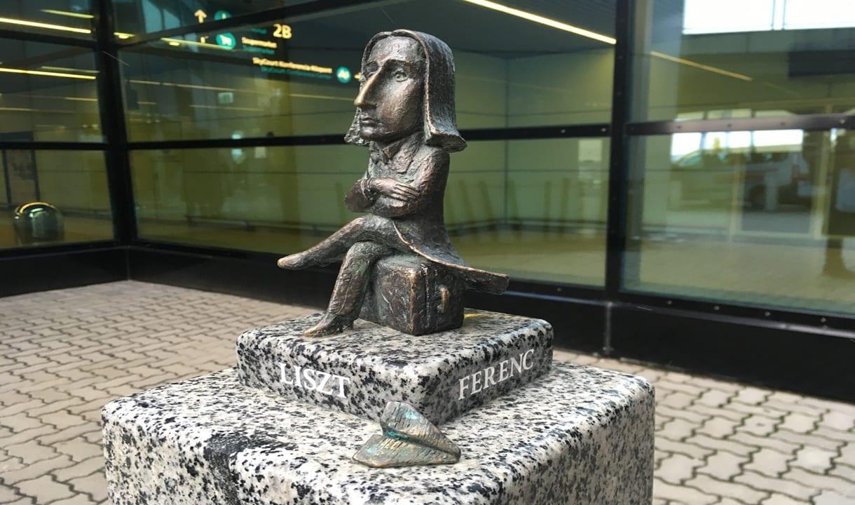 Liszt à l'aéroport du même nom