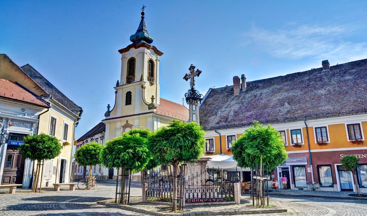 Place principale de la vieille ville de Szentendre