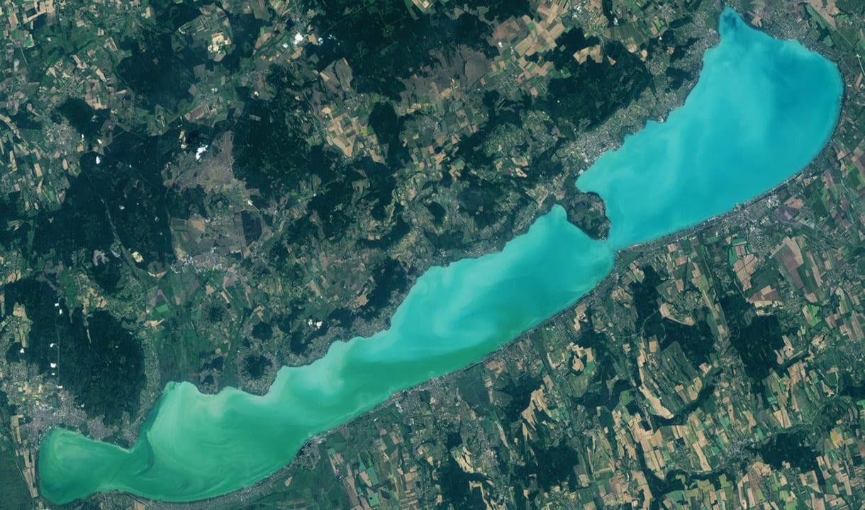 Vue aérienne du lac Balaton